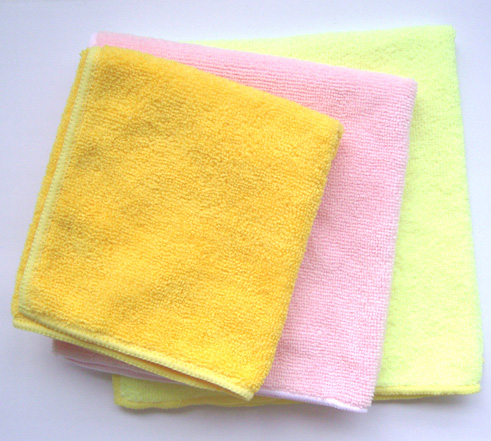 A soft washcloth is just what's needed to wash off dirty knees, to dry messy hands after eating or to wash a baby when changing a diaper. Also good to use as nursing pads or for removing makeup since they are gentle against the skin.