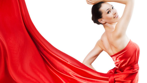 red-dress-woman-00000976185_620x350.jpg