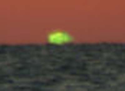 Sun at horizon appearing green