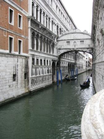 venice.canal.web.jpg