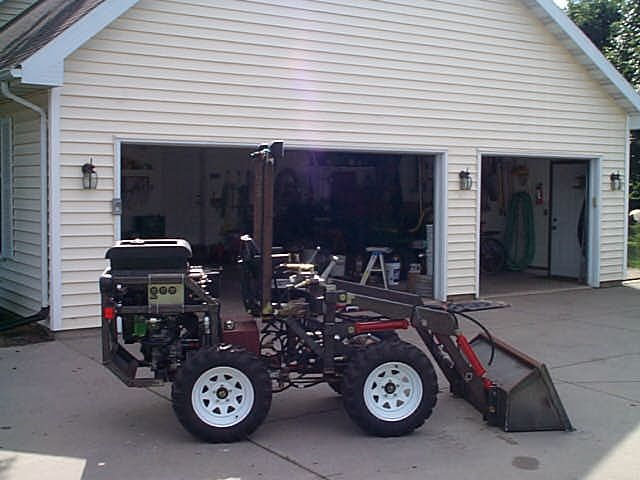 This Machine Is An Articulating 4wd Tractor That Uses 4 Hydraulic Motors For The Drive Mechanism