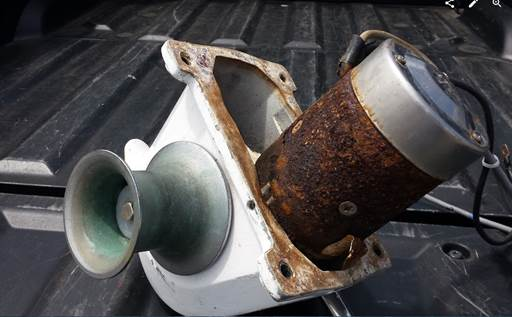 We had been looking for an opportunity to remove theanchor for Muir windlass motor replacement